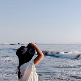 Sarah Denae | Salinity Studio | Sailboat Living + Wellbeing + Travel + Sustainability