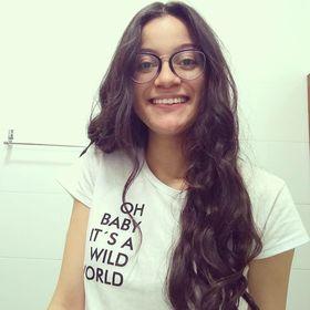 Rebecca Soares