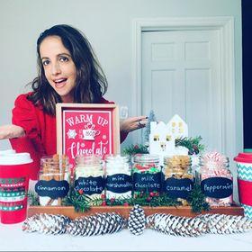 Dana Does Desserts & Decor
