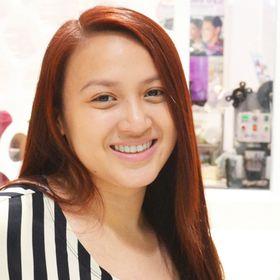 Kimberley Reyes | Mom Blogger + Virtual Assistant
