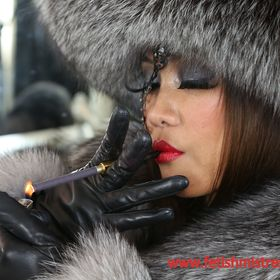 Fur fetish mistress uk euroconnect auf pinterest - Bilder fur wohnungsdekoration ...