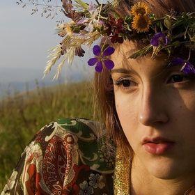 Svetlana Leis