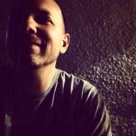 Damon Arhos