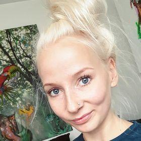 Therese Åkerblom