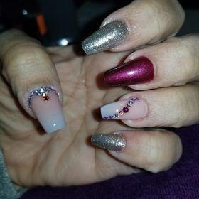 20 DM Nails