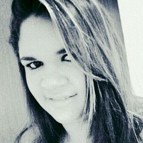 Ana Caroline Oliveira