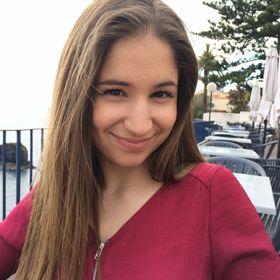 Laura Sumares