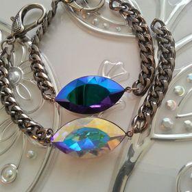 Aubeardsley jewelry