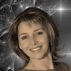 Anita Ughy