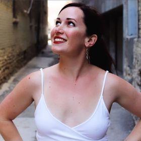 Sagan Morrow | Productivity Strategist + Romance Novelist