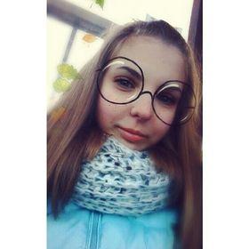Соня Титова