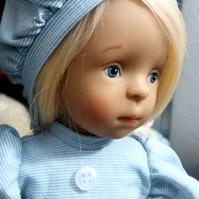 doll dollusional