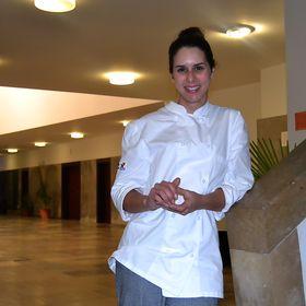 Anastacia Almeida