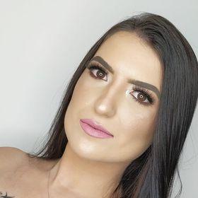 Letícia Coutinho