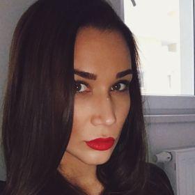 Laura Simon