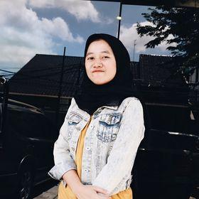 Inez Anandari