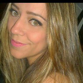 Nara Fernanda Goncalves