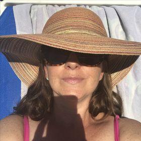 Kerrie McLoughlin, Writer & Homeschooler