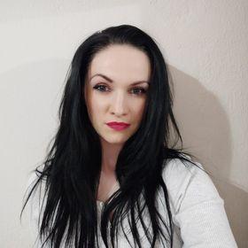 Júlia Kačalová