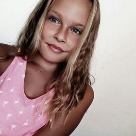 Emma Tihelkova