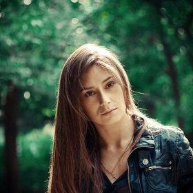 Yana Lazurenko