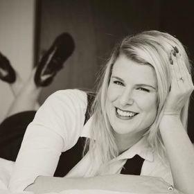 Nicolette Bates