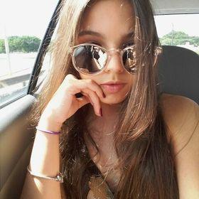 Letícia Lorena