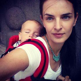 Anna Szalay-Hodovan