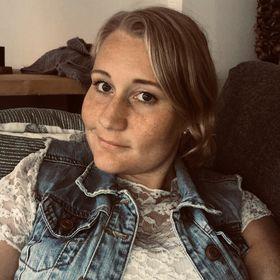 Yvette Tol