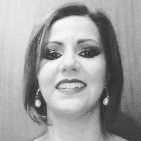 Karla Vertoni Ribeiro Alvarez