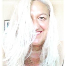 Lizzie Tabitha    Dr. Liz Musil  - Imaginative Entrepreneurship for Creatives