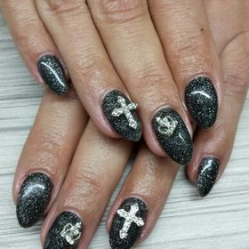 Manty Nails
