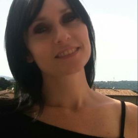Paola C
