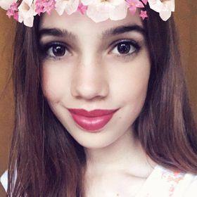 Nora Dolgos