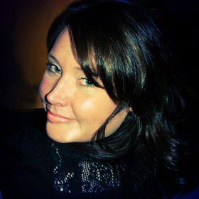 Adrienne Desrosiers