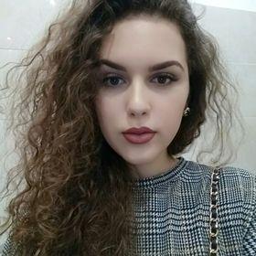Natália Sečányová