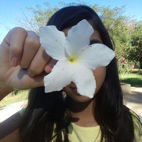 Camily Mayumi (camilyueno) no Pinterest 09b9a61bf9