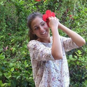 Lola Saez