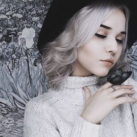 Yulya Fox