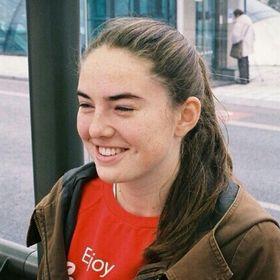 Karolína Holcátová