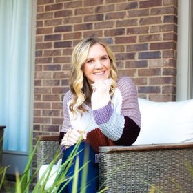 Sarah Pesek Pinterest Profile Picture