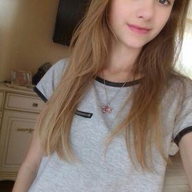 Natalie Sz