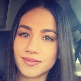 Lora Escamilla