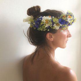 Botanical Tales | Floral Artist | Marketeer | Creative Workshops