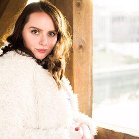 Macaila Britton  Blogger + Photographer