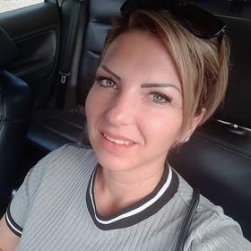 Mónika Szabó