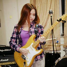 Bella Fender