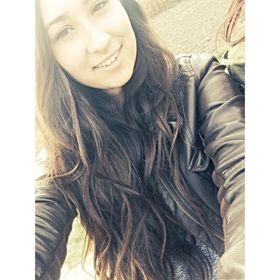 Andrea ✌️
