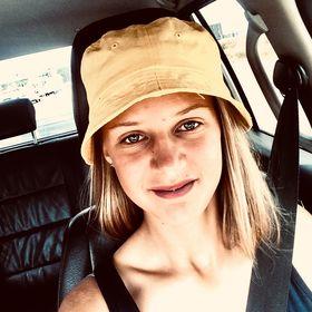 Lize Mostert