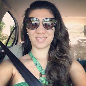 Camila Gonçalves De Azevedo